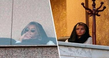 Ərinin oyununa getdi, tribunadan uzaqlaşdırıldı – İranda