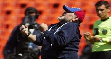 Maradonadan yeni müqavilə