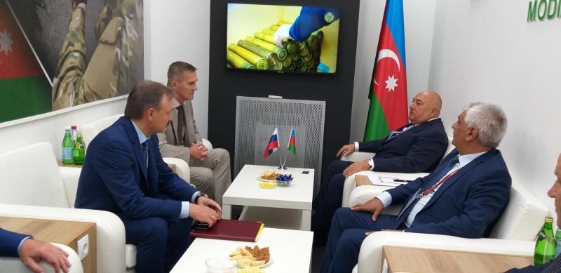 Azərbaycanla Rusiya arasında müdafiə sənayesi sahəsində çərçivə sazişinin imzalanmasına dair razılıq əldə edilib (FOTO)