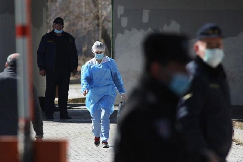 Gürcüstanda koronavirusa yoluxanların sayı 100 min nəfəri ötüb