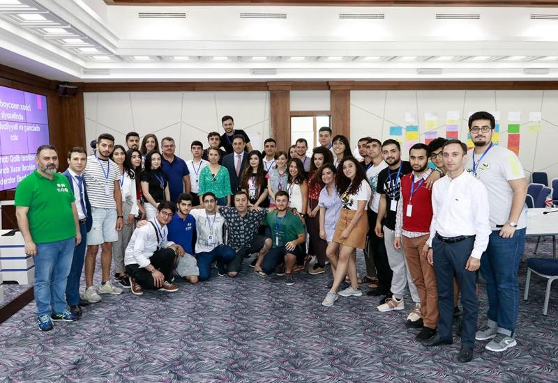 Azərbaycanlı diplomatlar Diaspor Gənclərinin II Yay düşərgəsində olublar (FOTO)