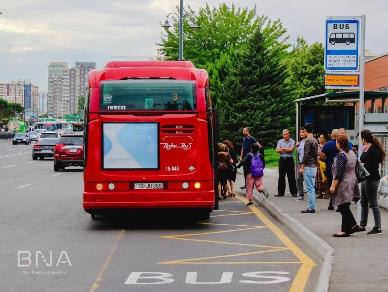 Bakıda avtobus dayanacağının yeri dəyişdirildi - Hərəkətə mane olurmuş (FOTO)