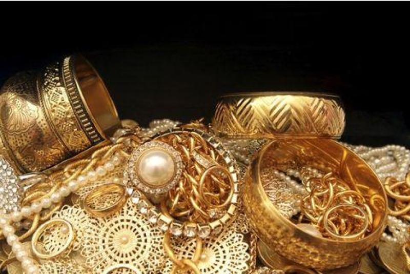 Ölkədə qızıl-gümüş yenə ucuzlaşdı
