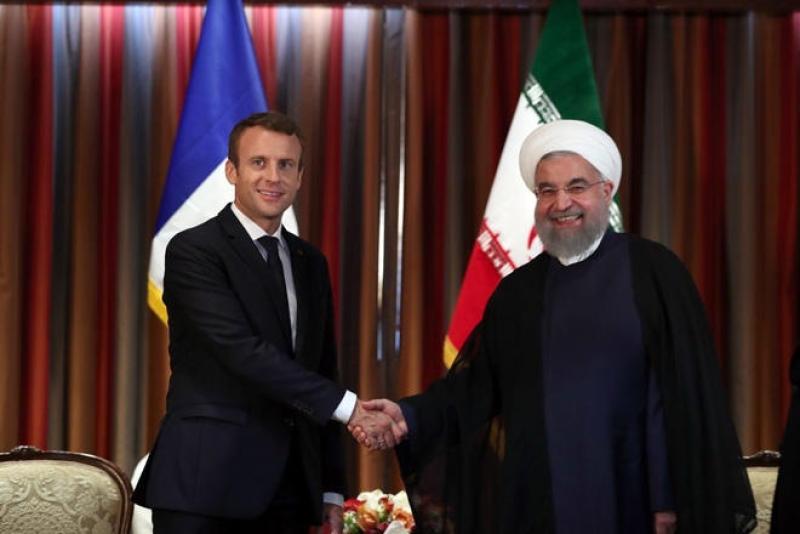Makron və Ruhani arasında telefon danışıqları keçirilib