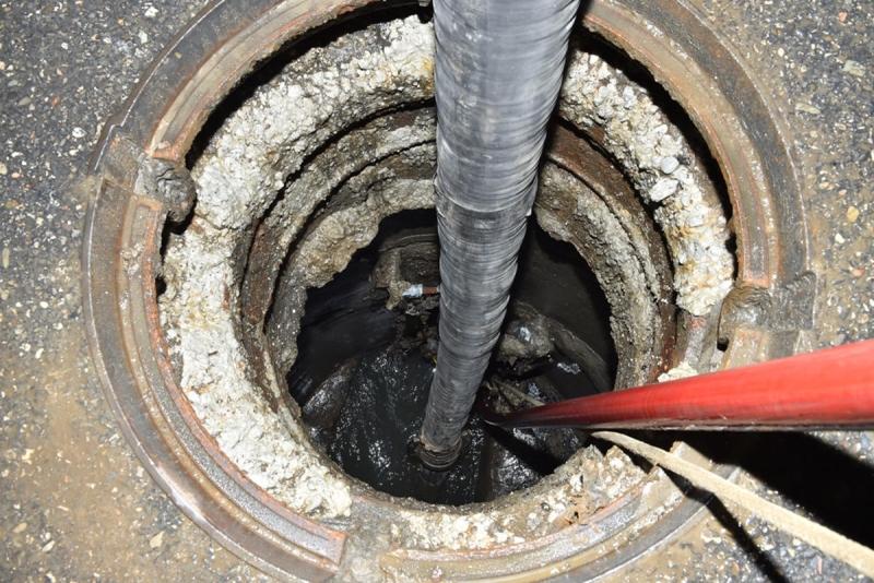 Şirvanda 1 nəfər kanalizasiya quyusuna düşərək ölüb