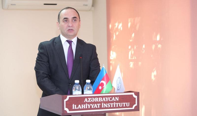 """İlahiyyat İnstitutunda """"Hər rəngində mən varam"""" filmi nümayiş olunub (FOTO)"""
