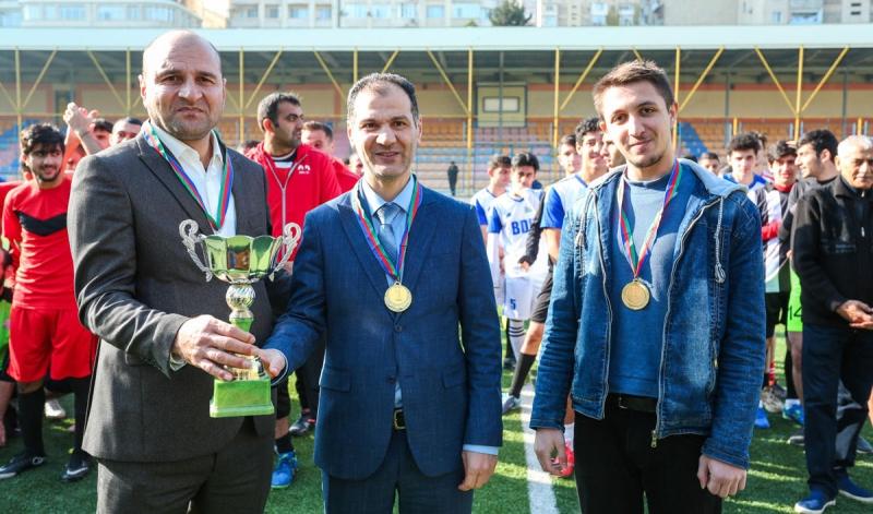 İlahiyyat İnstitutunun heyəti şahmat turnirinin qalibi olub (FOTO)