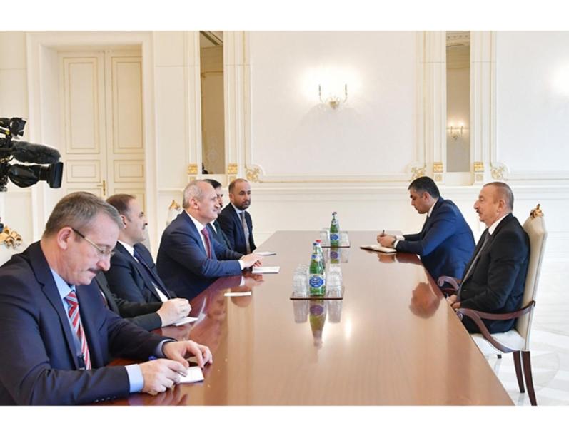 Prezident İlham Əliyev Türkiyənin Nəqliyyat və İnfrastruktur nazirini qəbul edib (FOTO)