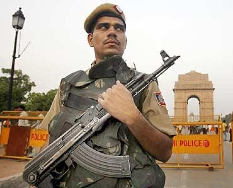 Hindistanda terrorçular polislərə hücum edib: 5 ölü, 2 yaralı