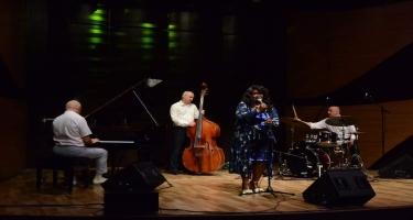 Beynəlxalq Muğam Mərkəzində əfsanəvi Denise Kingin konserti keçirildi (FOTO)