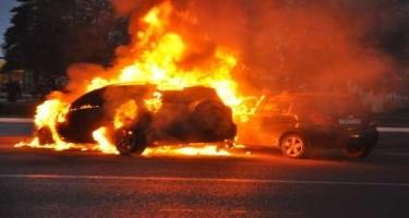 Qəzada yanan avtomobildən narkotik aşkarlandı, 2 nəfər öldü