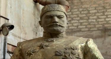 Hacı Zeynalabdin Tağıyevin heykəlinin açılışı yubanır - Xalq rəssamı səbəbini açıqladı