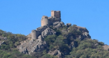 """""""Çıraqqala"""" abidəsinə meşənin içindən piyadalar üçün yol salınıb - RƏSMİ"""