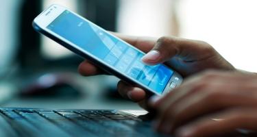 Təxribat xarakterli SMS-lər telefonunuzdakı şəxsi məlumatların oğurlanmasına səbəb ola bilər