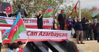 """İstanbulda """"Qarabağ Azərbaycandır"""" adlı aksiya keçirilib (FOTO)"""