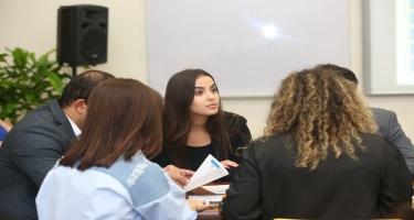 Bakı Ali Neft Məktəbində Cenevrə Biznes Məktəbi ikili diplomlu MBA proqramı uğurla davam edir (FOTO)
