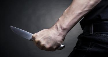 Bakıda 43 yaşlı kişiyə borca görə 4 bıçaq vurdular