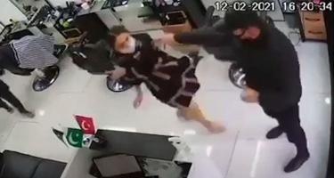 Bərbərxanada qadına qarşı polis tərəfindən törədildiyi iddia olunan zorakılıq araşdırılır - DİN (VİDEO)