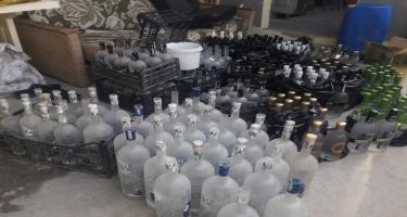 Saxta içkilər istehsal edən müəssisənin fəaliyyəti məhdudlaşdırılıb (FOTO)