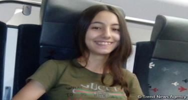 Bakıda 15 yaşlı qız naməlum maşına əyləşərək yoxa çıxdı (FOTO)