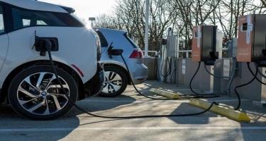 Nazir müavini: Azərbaycanda elektrik və hibrid avtomobillərin istifadəsi təşviq olunmalıdır