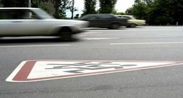 Heydər Əliyev prospektində avtomobil piyadanı vurub