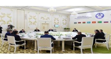 Prezident İlham Əliyev Aşqabadda MDB Dövlət Başçıları Şurasının məhdud tərkibdə iclasında iştirak edib (FOTO)