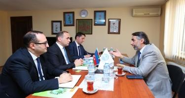 Amerikalı din xadimi Azərbaycan İlahiyyat İnstitutunu ziyarət edib (FOTO)