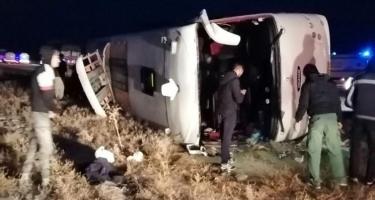 İranda avtobus aşdı, yaralananlar var (FOTO)
