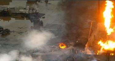Banqladeşdə fabrikdə yanğın - Onlarla ölü və yaralı var