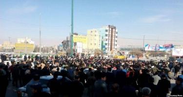 Tehranda böyük izdiham - İranlı generalla vida mərasimi keçirilir (FOTO)