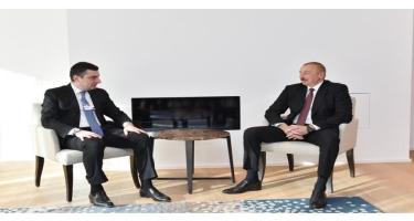 Prezident İlham Əliyevin Davosda Gürcüstanın Baş Naziri ilə görüşü olub (FOTO)
